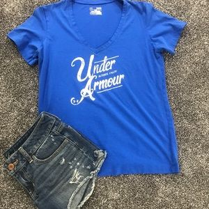 Under Armour V neck T-shirt SHIRT ONLY